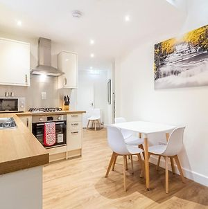 Pass The Keys Central Modern And Large 3Bed Flat With Private Entrance photos Exterior