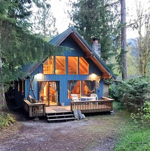 Holiday Home 53Mbr Cozy Cabin W Hot Tub photos Exterior