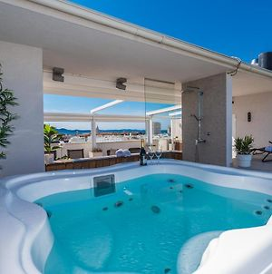 Penthouse With Roof Terrace With Jacuzzi photos Exterior