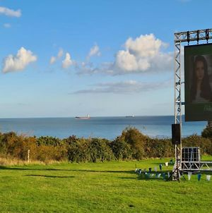 """""""Hurst View"""" At Whitecliff Bay Isle Of Wight - Yarborough View 1 photos Exterior"""
