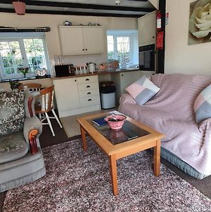 Trelawney Cottage, Sleeps Up To 4, Wifi, Fully Equipped photos Exterior