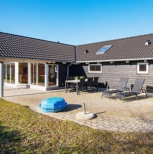 Five-Bedroom Holiday Home In Ebeltoft 2 photos Exterior