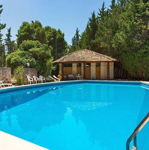 Lequile Villa Sleeps 11 With Pool Air Con And Wifi photos Exterior