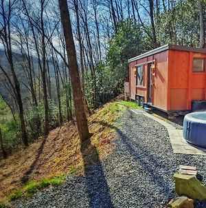 Little Red A Romantic Tiny Home With Hot Tub, Fire Pit, Canoe photos Exterior