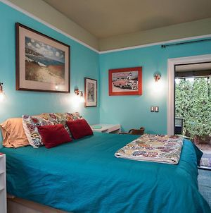 Cozy Secluded Patio Suite Right By All The Action! photos Exterior