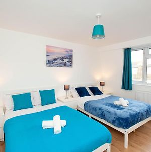 Stunning Four Bedroom House Close To Excel, O2 & Central London With Free Parking photos Exterior