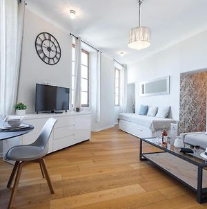 Gorgeous 1 Bdr With Gardens View In The Old Town photos Exterior