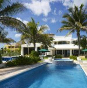 Private Beach Front Villa With Pool photos Exterior
