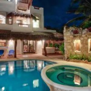 Gated Resort Villa With Private Pool & Spa photos Exterior