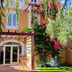 House With 5 Bedrooms In Foz Do Arelho With Wonderful Lake View Enclosed Garden And Wifi 600 M From The Beach photos Exterior