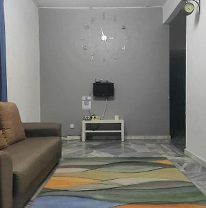 Corner Lot,Landed Homestay Bee Rizqie 3R2B Free Park,Wifi,Movie,Androidtv photos Exterior