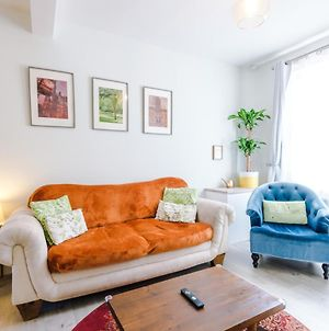 Enjoy The Pause A Quiet Boutique Retreat In The Heart Of Chester For Families Or Couples photos Exterior