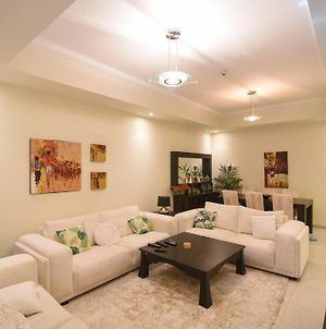 Fully Equipped Designer Home In The Heart Of Dubai Downtown Business Bay Area photos Exterior