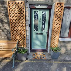 The Pitts! Stunning 3 Double Bed Town House. photos Exterior