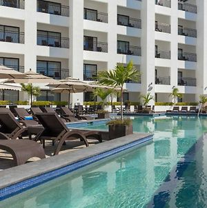 Junior Suite At Modern Resort With Shared Outdoor Pool - 3 Blocks From The Beach! Hotel Room photos Exterior