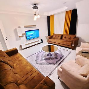Sweethome 3 Bedrooms Apartment photos Exterior