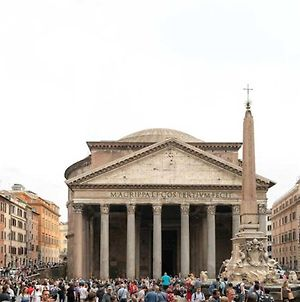 The Artist'S House In Front Of Pantheon photos Exterior