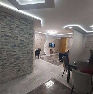 Apartment With Individual Design And All Amenities photos Exterior