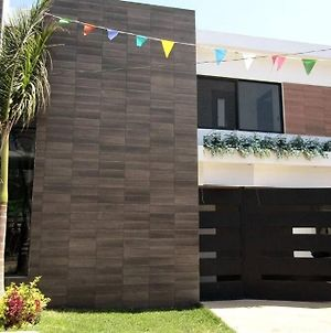 Modern House With Private Pool! 24H Security photos Exterior