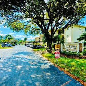 Elegant 1 Bedroom Condo With Swimming Pool Gym Access All Included In Convenient Fort Myers Location Near Golf Courses And Sanibel Island photos Exterior