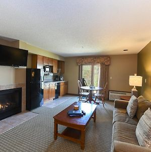 A119 - Studio Suite With Lake View And Private Balcony! photos Exterior