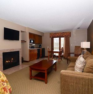 A209 - Studio Style Suite With Lake View, Free Wifi, And Balcony! photos Exterior