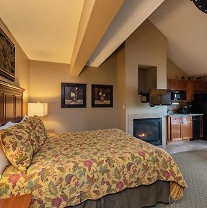 A313 - Studio And Loft Lake View Suite With Fireplace, Free Wifi! photos Exterior