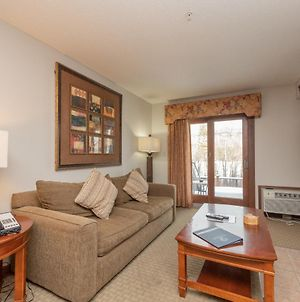 A117- Lake View Suite With 1 Bedroom, Private Bathroom, Kitchenette & Keurig! photos Exterior