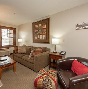 A205- One Bedroom Lake View Suite, Kitchenette & Private Balcony! photos Exterior