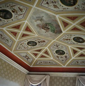 Luxurious Palazzo In Venice In The Rialto Area With Housekeeper/Cook photos Exterior