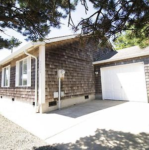 Best Nest, Gated Community, Wood Stove, Easy Walking Distance To Beach photos Exterior
