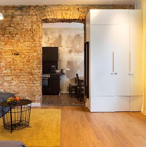 Shabby Chic Apartment +Freshly Furnished&Renovated photos Exterior