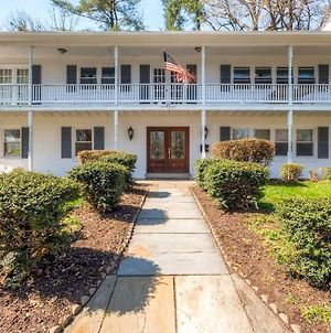 Southern-Style Home With Luxe Kitchen 15 Min To Dc! photos Exterior