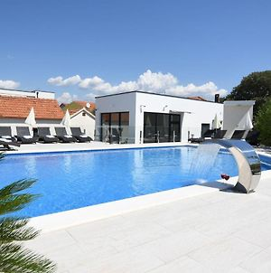 Stunning Home In Okrug Gornji With Outdoor Swimming Pool, Heated Swimming Pool And 2 Bedrooms photos Exterior