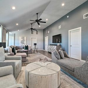 Modern Luxury Living In College Station! photos Exterior