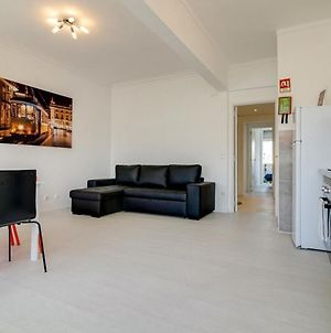 Bright & Modern 2Bed Apartment With Views photos Exterior