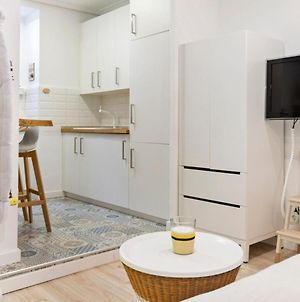 Space-Saving Designer Apartment With One Bedroom In Chamberi Madrid photos Exterior