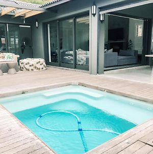 Luciano'S Upmarket Family Home - Close To Beach - Private Pool, Pizza Oven & Braai, Dstv & Wifi photos Exterior