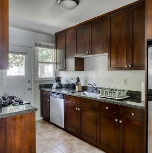 Stay Gia Modern 2 Bedroom Apartment At Westchester Apartments photos Exterior