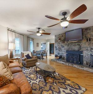 Smoky Blue - Beautifully Renovated, Updated Furnishings, Hot Tub, Game Room photos Exterior