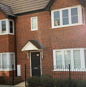 Immaculate 3-Bed House In Wellingborough photos Exterior