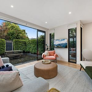 Beautiful 3-Bed Home With Terrace 20 Min From Cbd photos Exterior