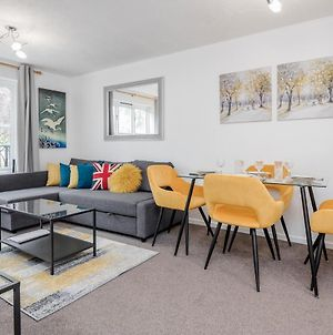 Watford Junction, Two Bed Flat, Free Parking, Free Wifi & Movies, Quiet Location, Easy Access To London, M1 J5 And Warner Bros Studios photos Exterior