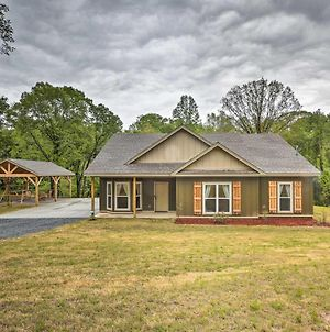 Creekside Cabin With Forest Views In Tallassee! photos Exterior
