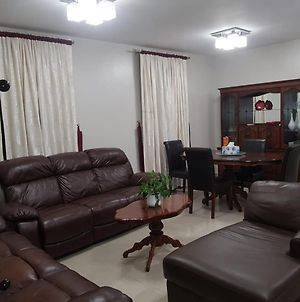 2 Bed Furnished Apartment With Garden And Parking photos Exterior