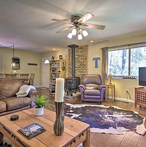 Sunny Pine Retreat With Large Fenced-In Yard! photos Exterior