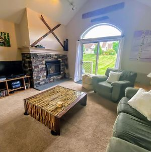 F4 Warm Fairway Village Townhome, Mountain Views And Large Lawn So Much To Do photos Exterior