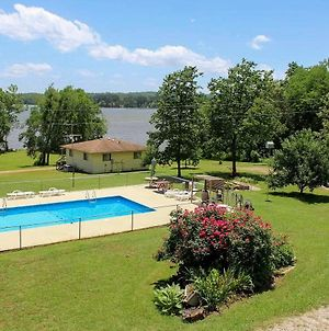 Cozy Cottage On Kentucky Lake With Shared Pool! photos Exterior