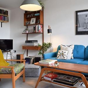 Stunning 1 Bedroom Apartment In East London photos Exterior
