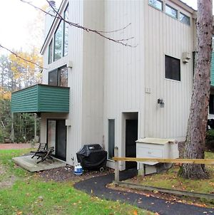 Walk To The Town Square At This Pet Friendly Waterville Valley Vacation Condo! photos Exterior